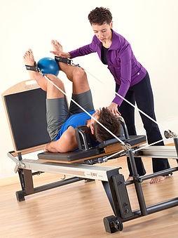Pilates Reformer er et apparat med motstand i. Fotokilde: Wikipedia