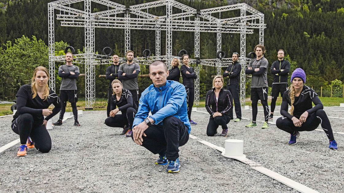 Ailo Gaup la opp i 2008, men han trener fortsatt mer enn 11 timer i uken. I høst har han vært programleder for TV-serien Råskap på TV3. Foto: TV3/Rune Bendiksen