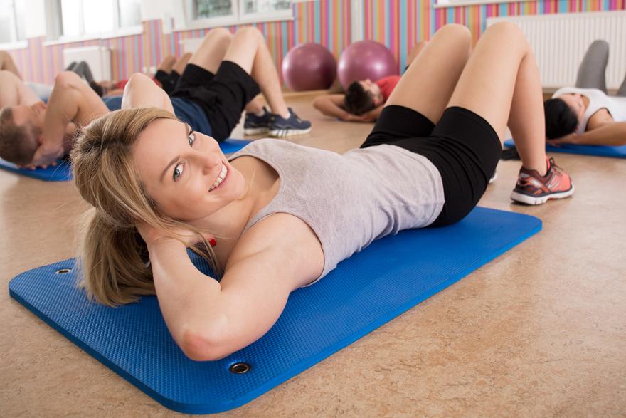 3447a803 10 supre mageøvelser - Trening.no